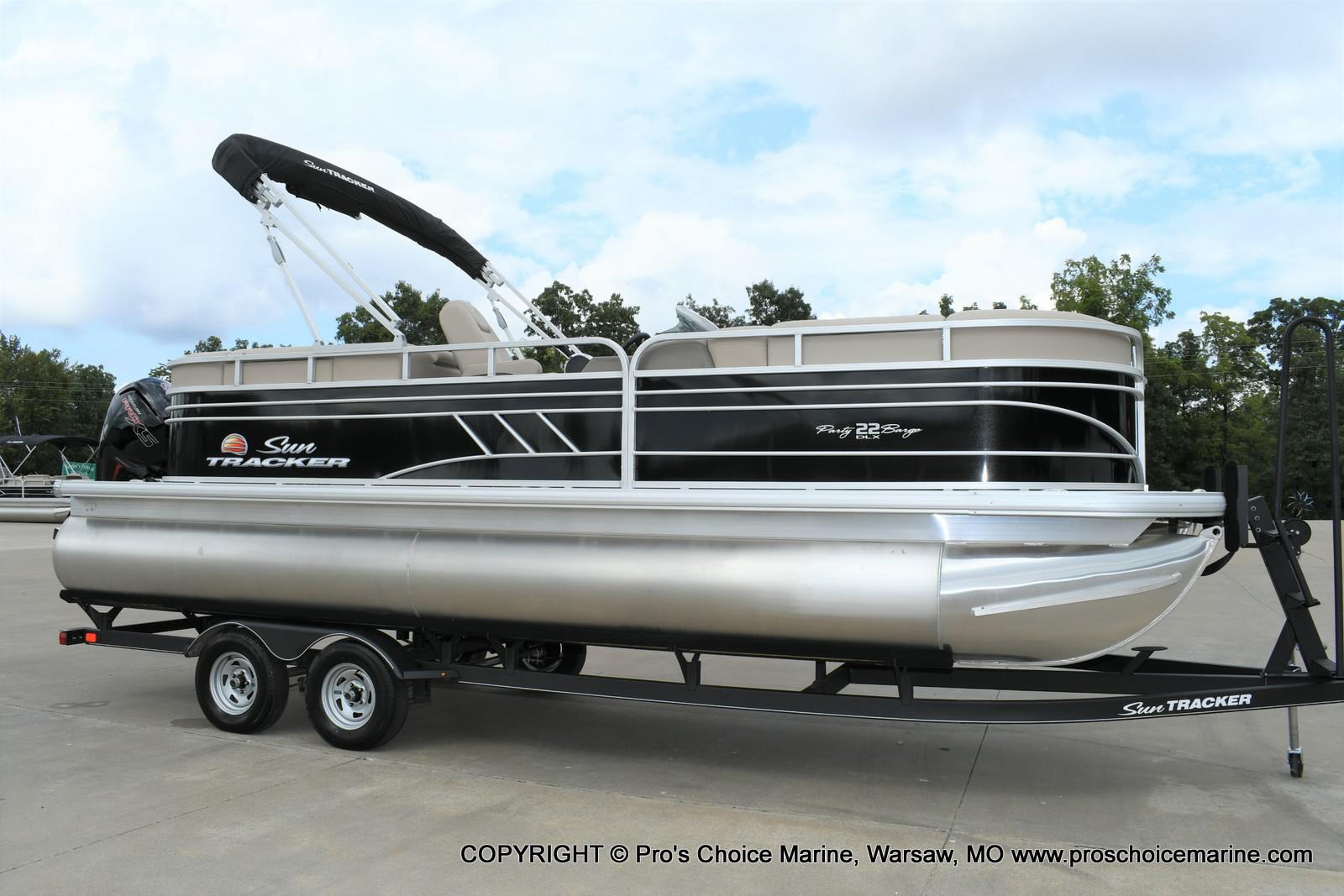 2020 Sun Tracker boat for sale, model of the boat is Party Barge 22 DLX & Image # 31 of 50