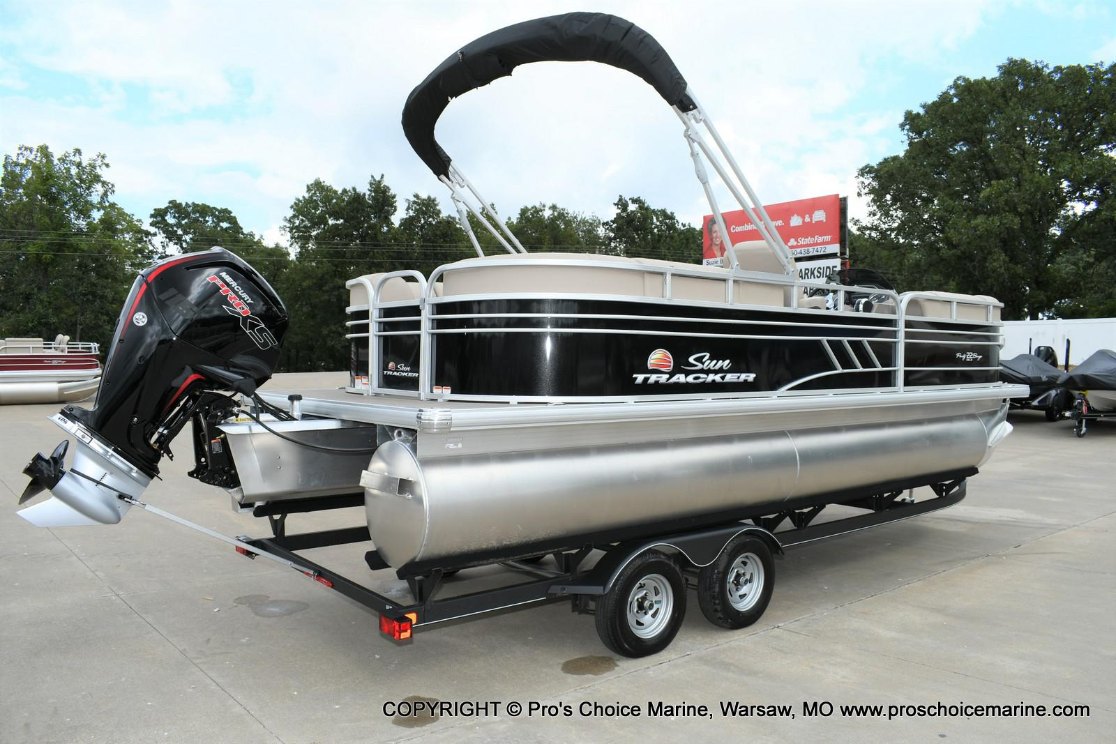 2020 Sun Tracker boat for sale, model of the boat is Party Barge 22 DLX & Image # 32 of 50