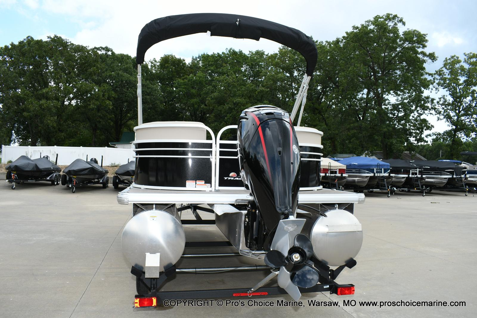 2020 Sun Tracker boat for sale, model of the boat is Party Barge 22 DLX & Image # 33 of 50