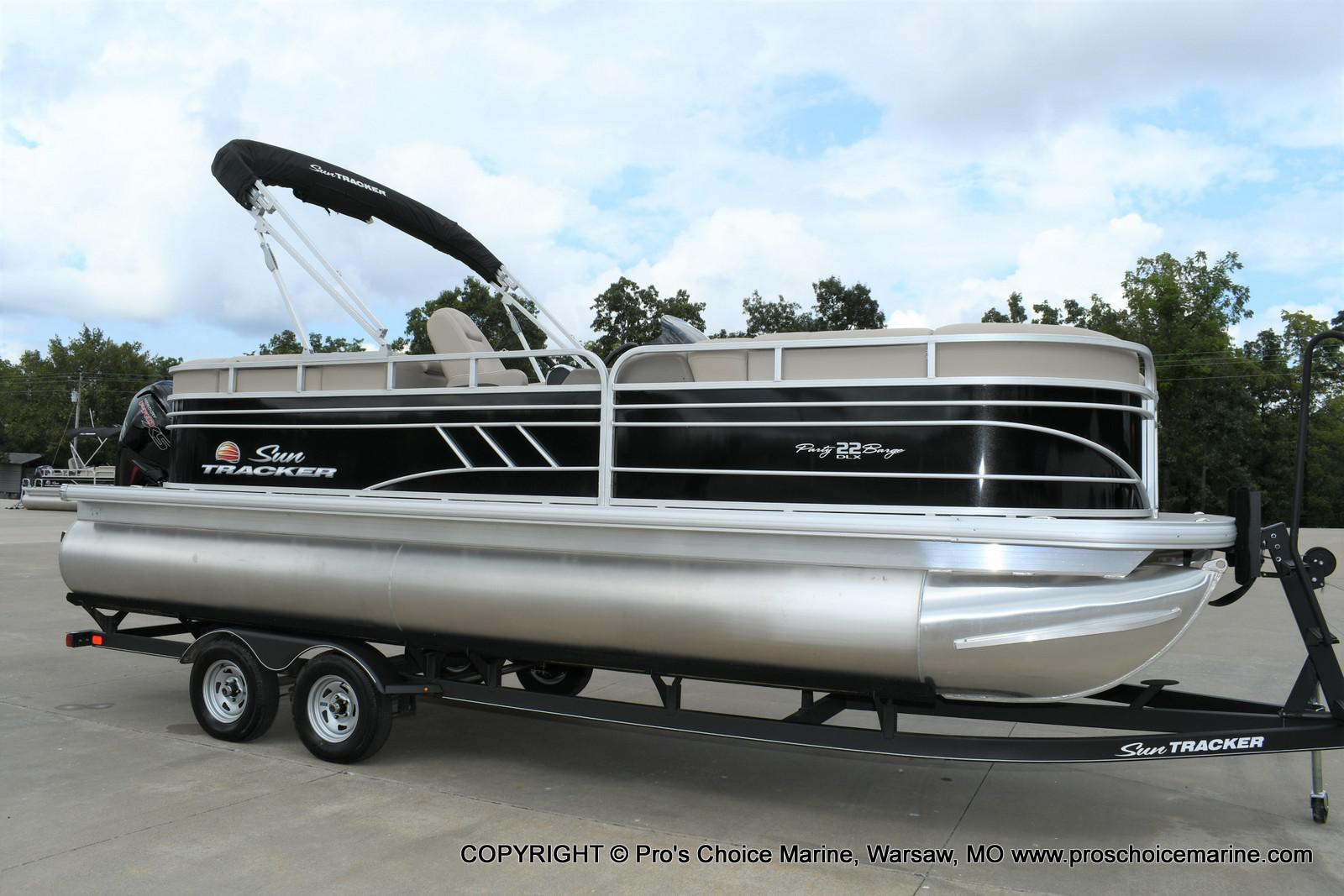 2020 Sun Tracker boat for sale, model of the boat is Party Barge 22 DLX & Image # 42 of 50