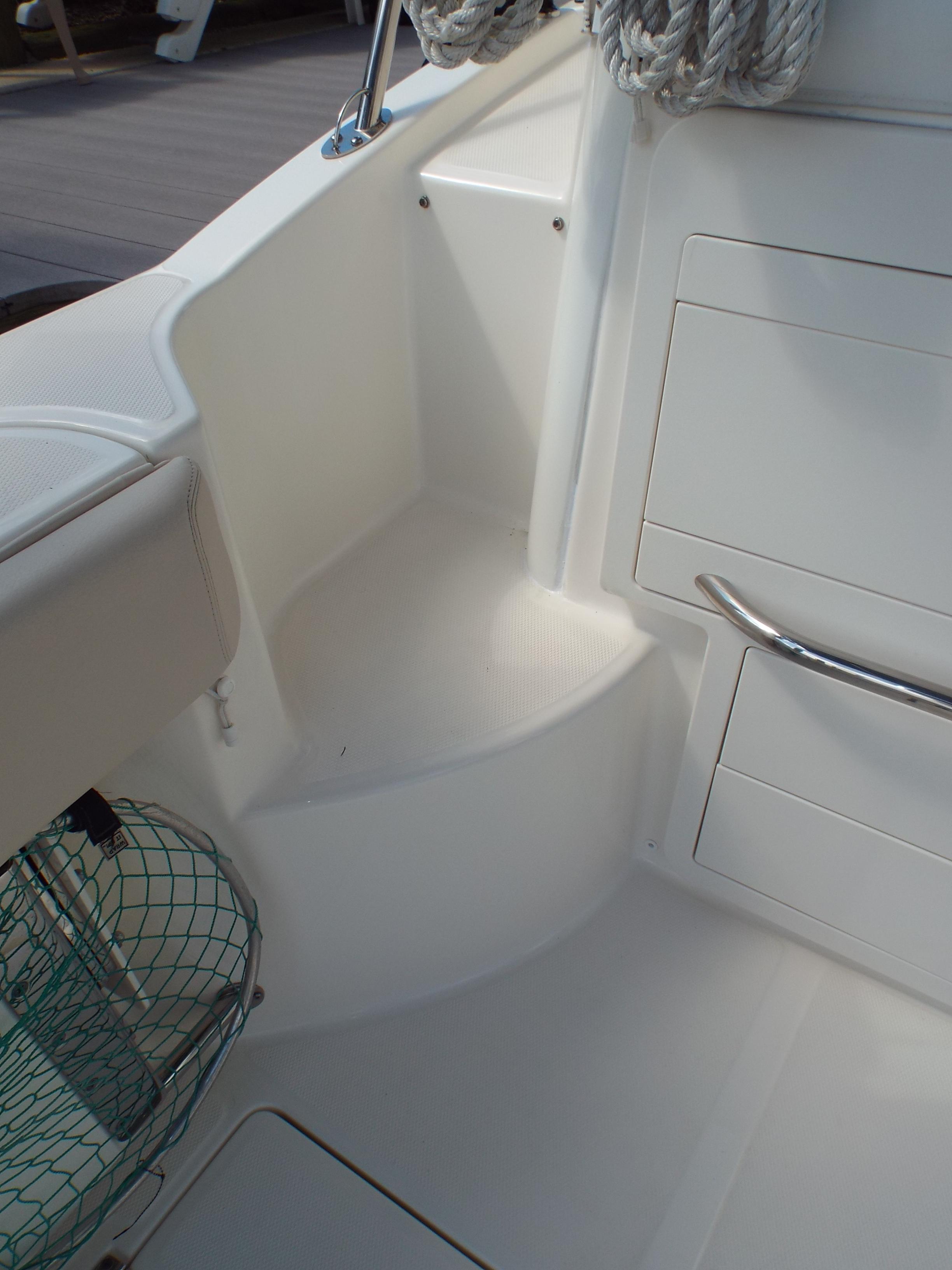 Dockside/Deck Molded Step