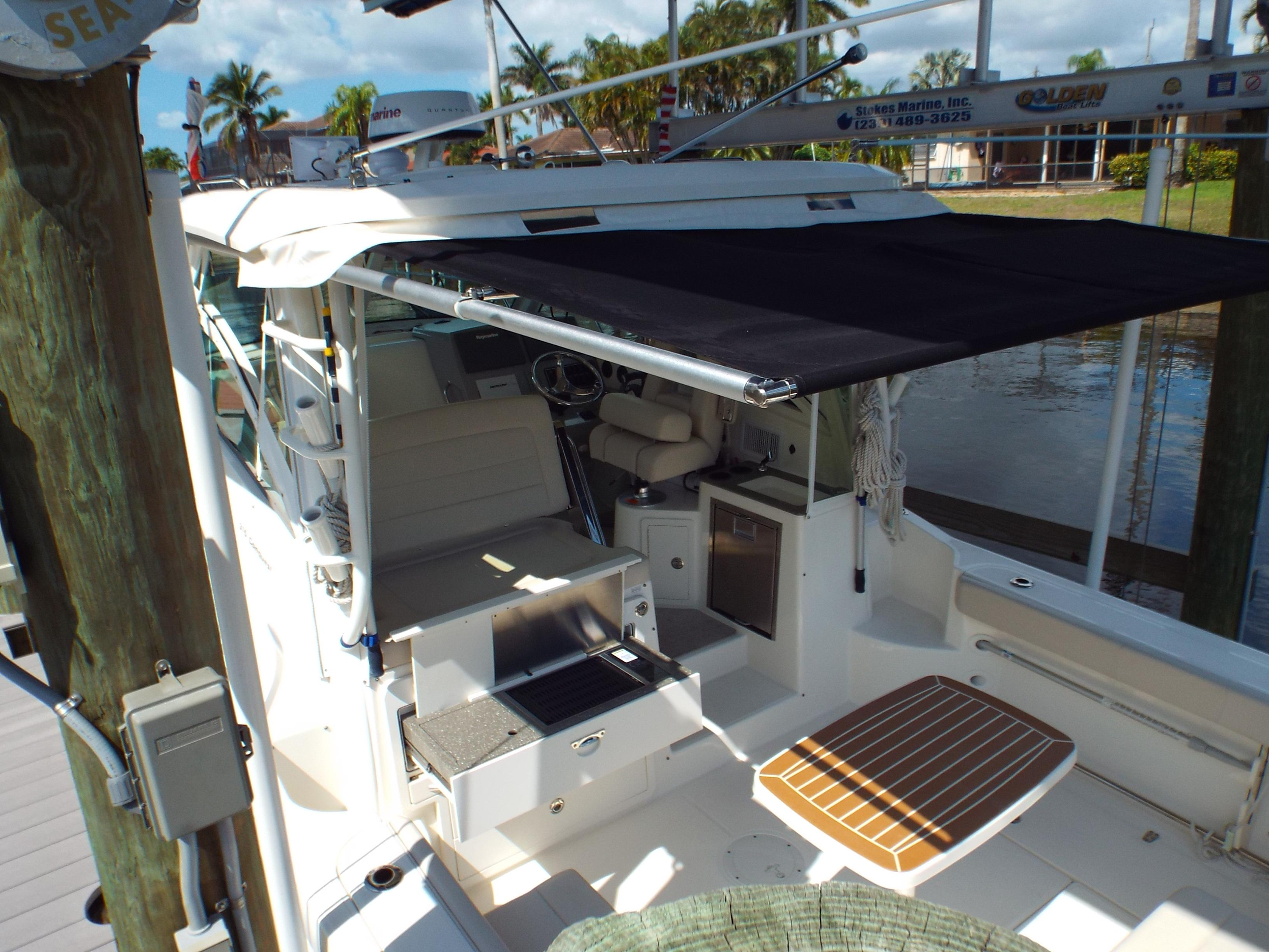 Roll Out Cockpit Bimini  Shade 3