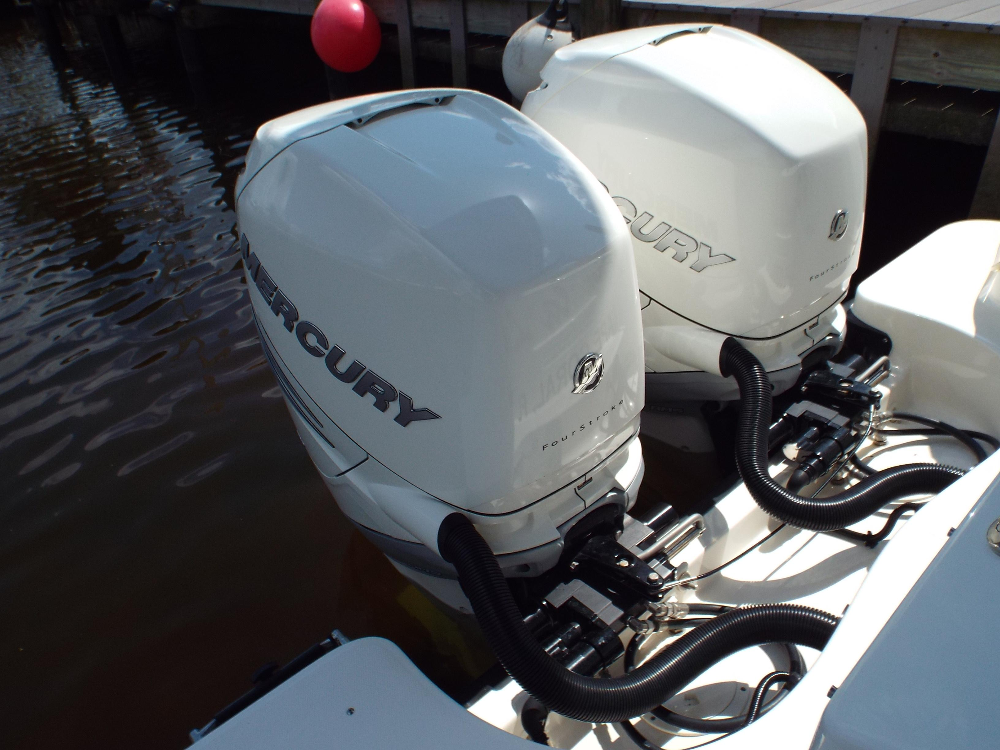 Twin Mercury V6 350's Profile 3