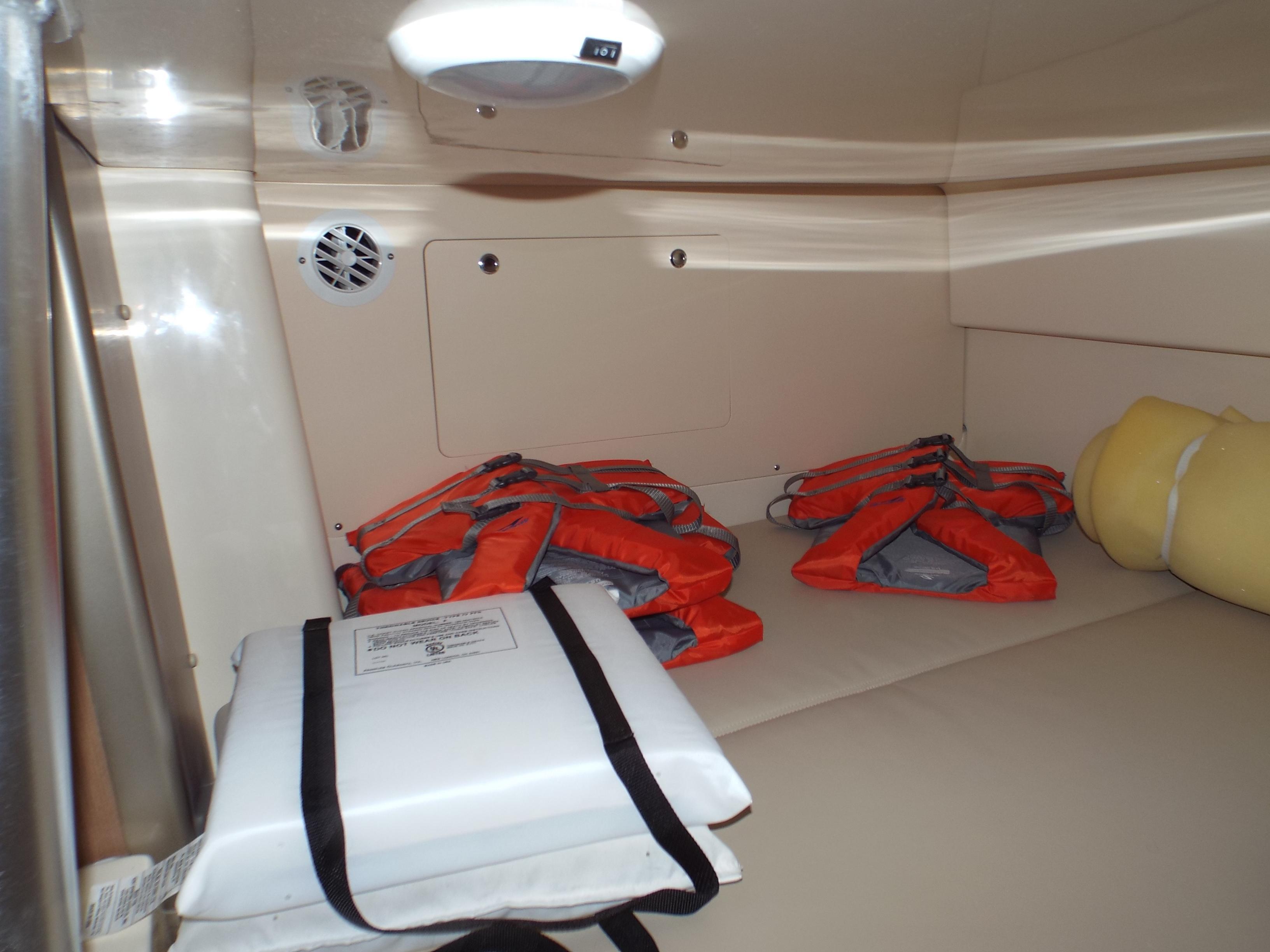 Mid Cabin Berth 2