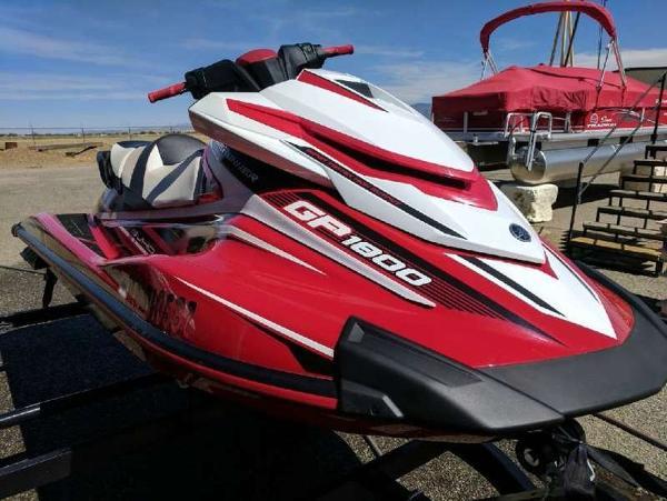 2017 YAMAHA GP1800 for sale