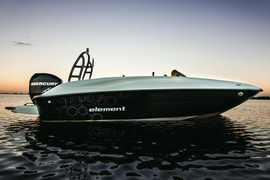 BaylinerElement E16