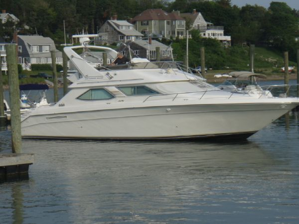 Sea Ray 440 Express Bridge Convertible Boats. Listing Number: M-3680416