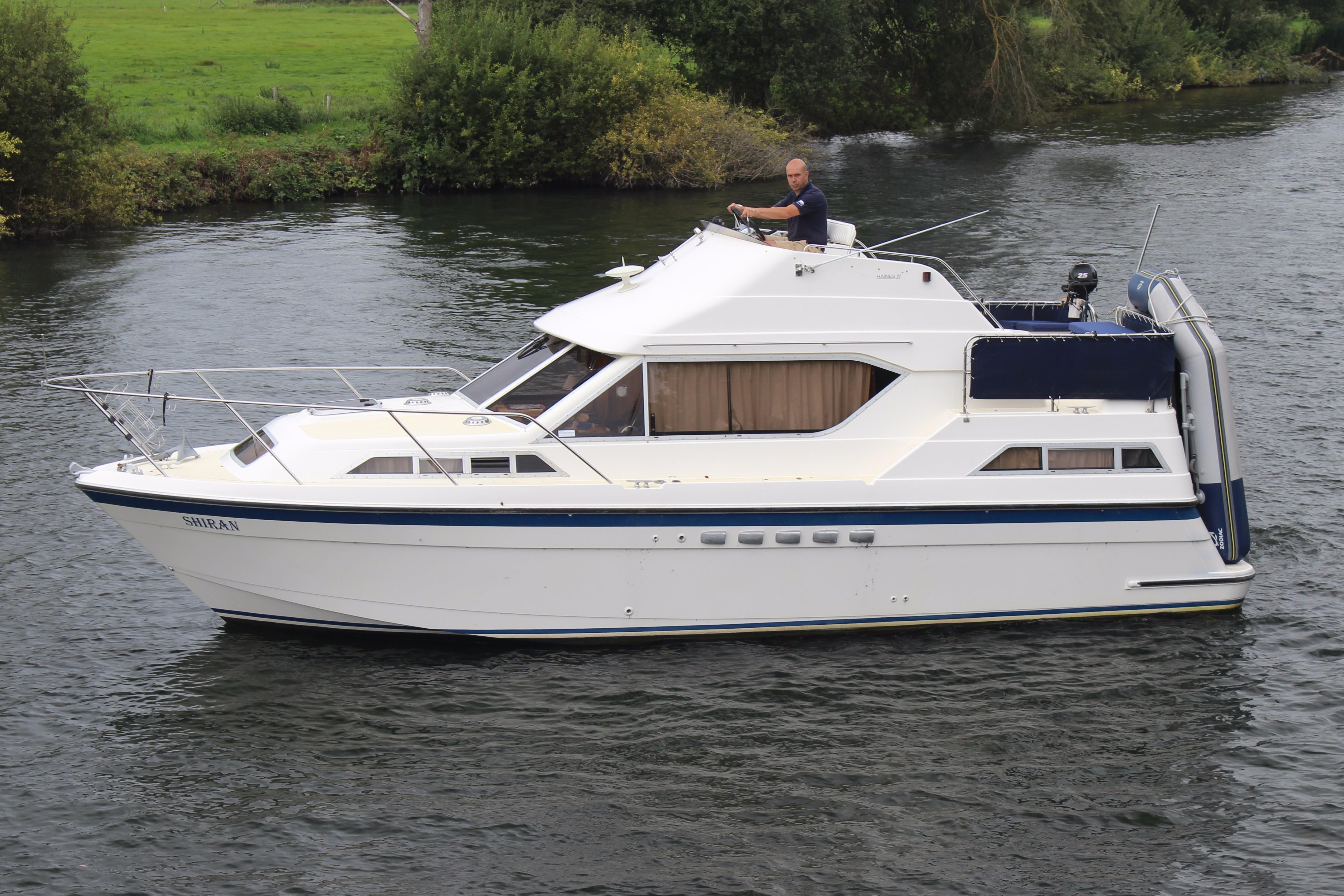 Haines 31 Flybridge