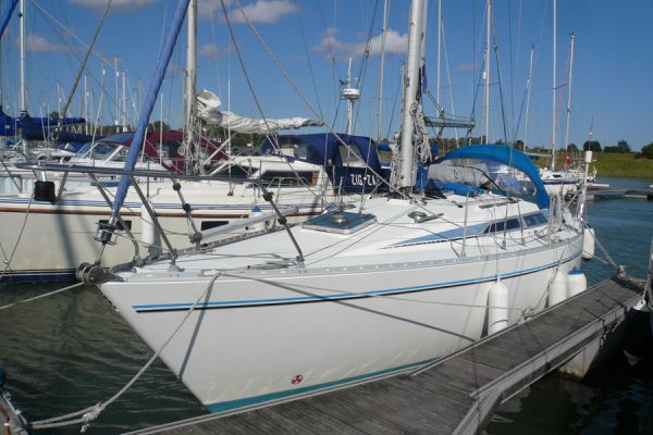 Moody 31 MK II boat for sale