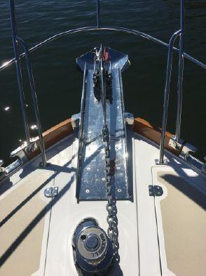 55 ft Grand Banks 55 Eastbay FB Pulpit and windlass