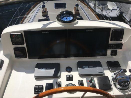 55 ft Grand Banks 55 Eastbay FB FB helm