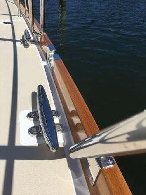 55 ft Grand Banks 55 Eastbay FB Toe rail and hardware