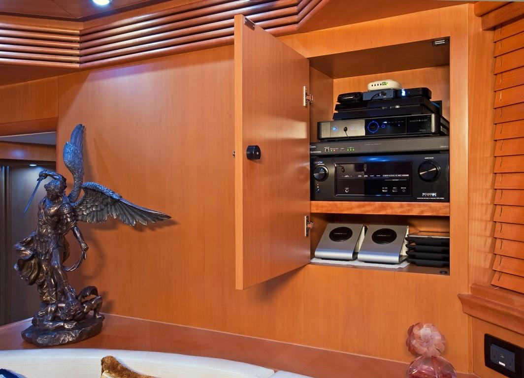 2002 Pershing 88 - Lower Salon TV Entertainment Center