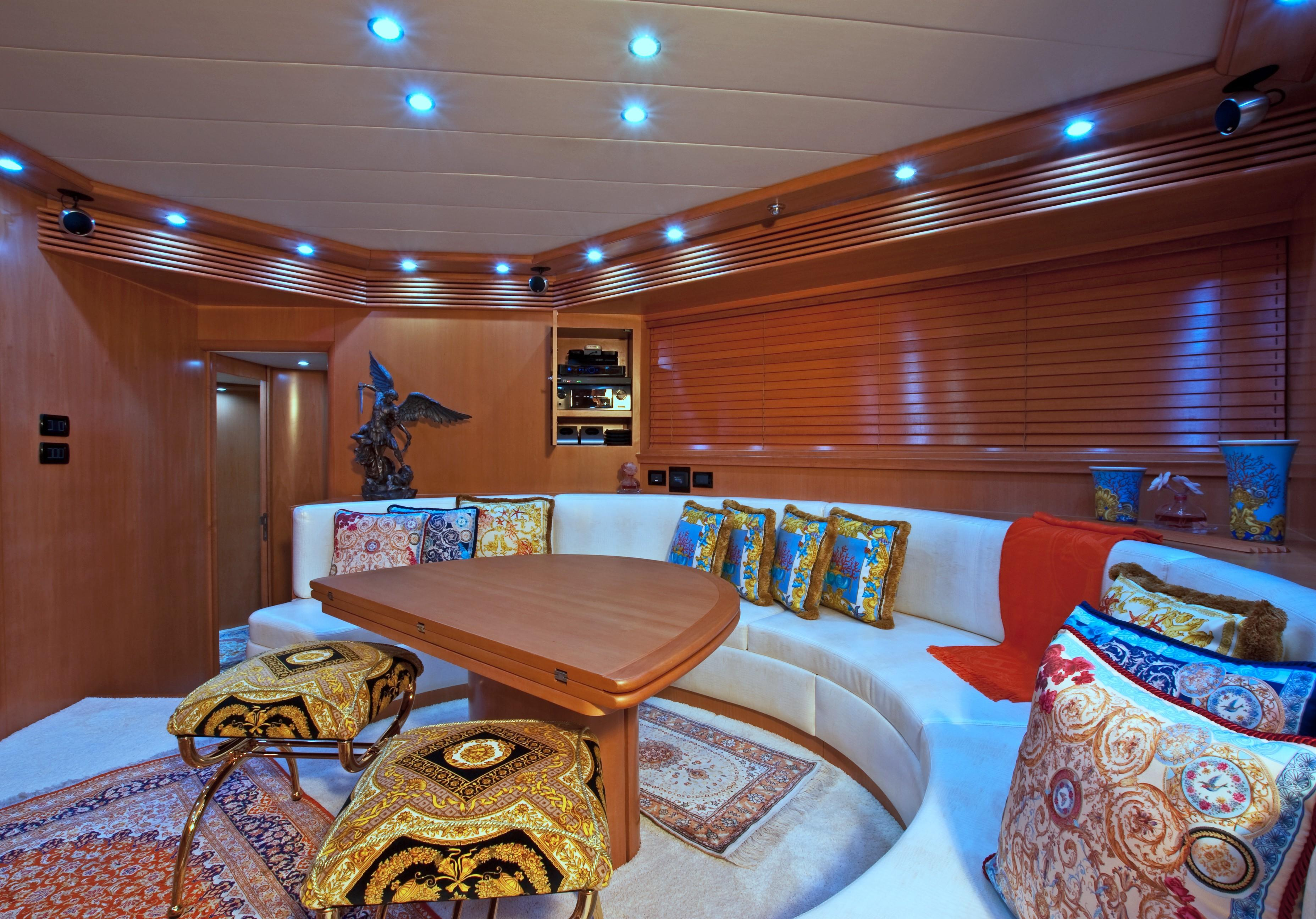 2002 Pershing 88 - Salon Looking Aft
