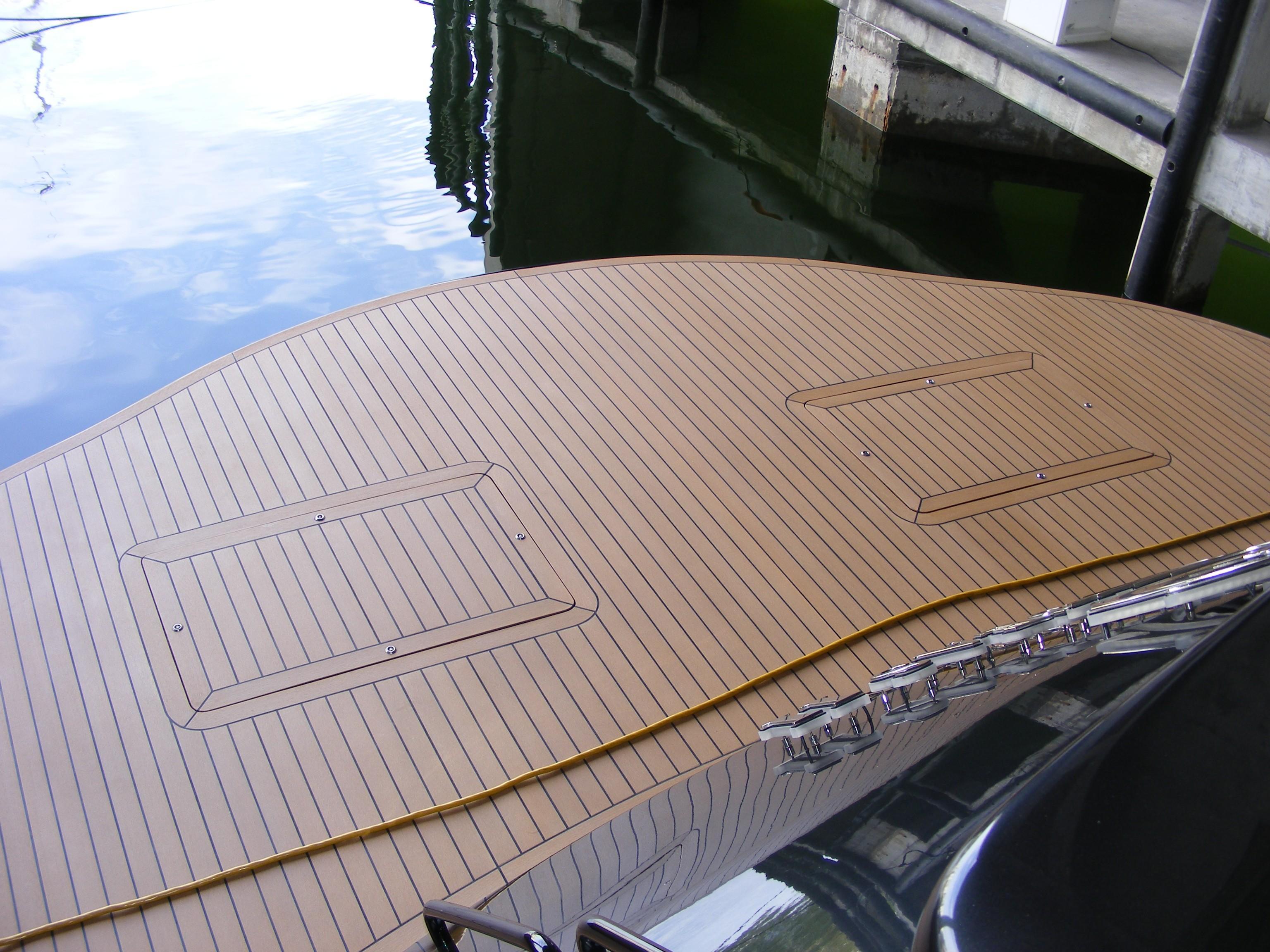 2002 Pershing 88 - Swim Platform
