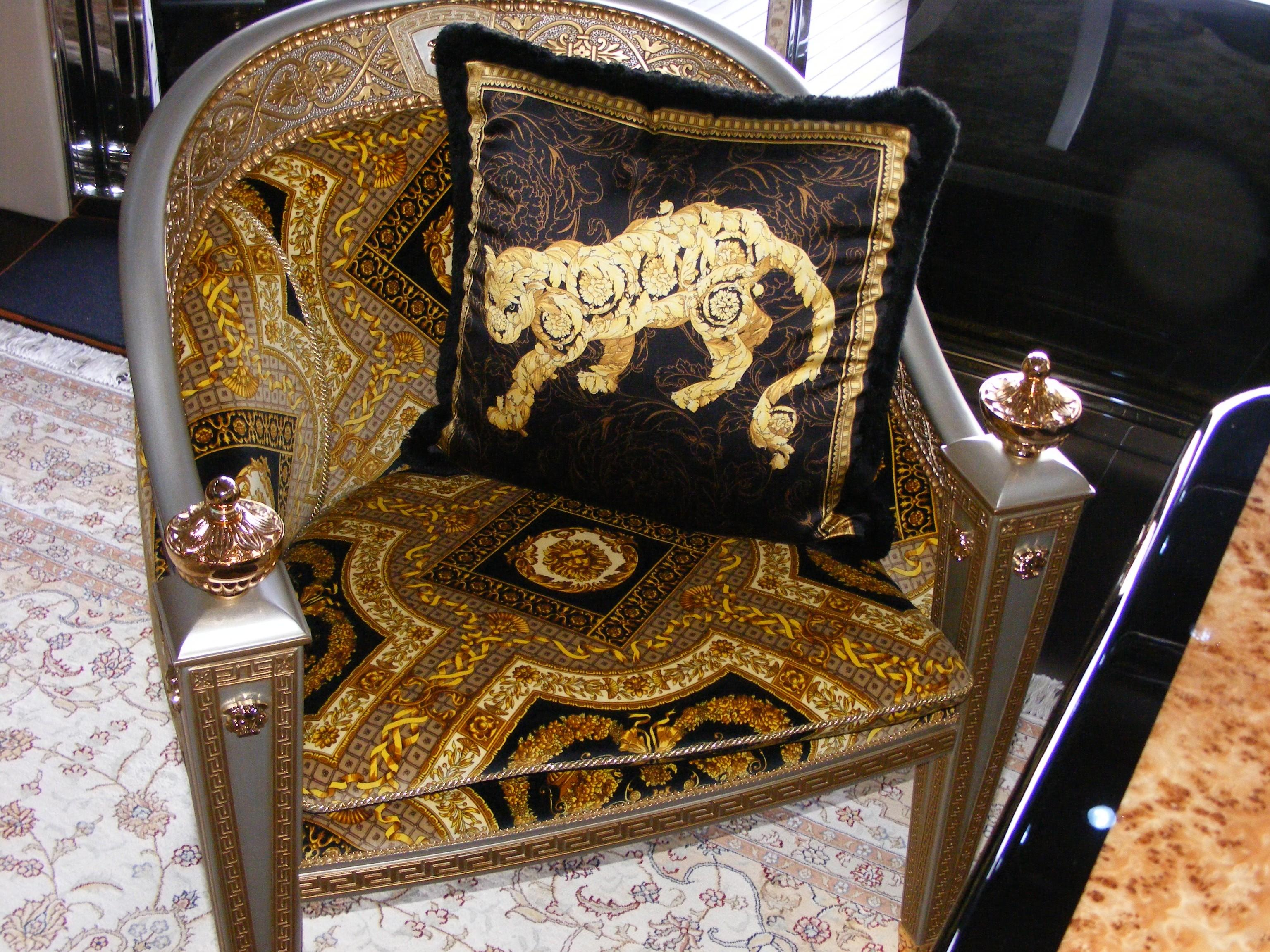 2002 Pershing 88 - Versace Chairs