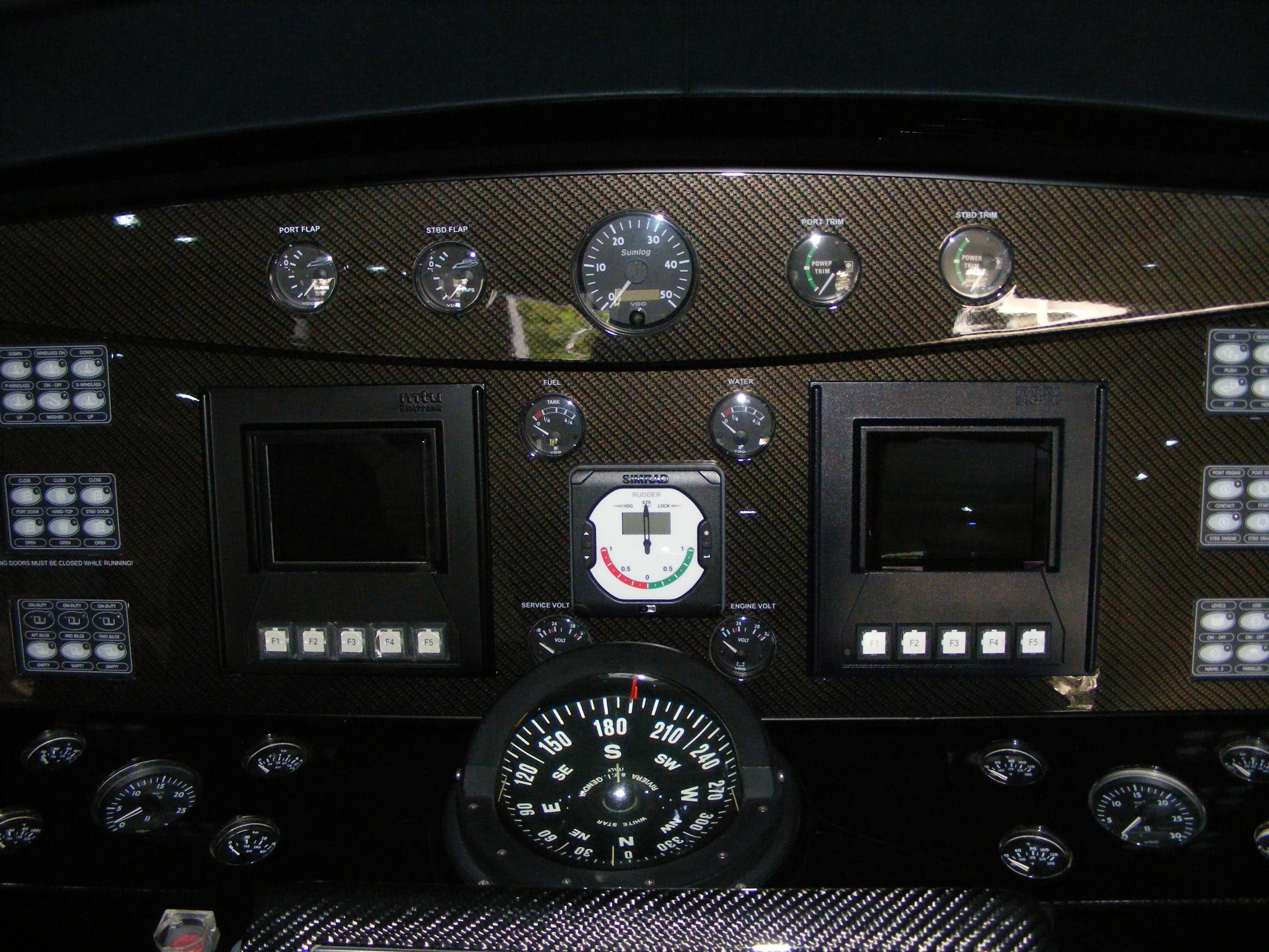 2002 Pershing 88 - Custom Carbon Fiber Dash
