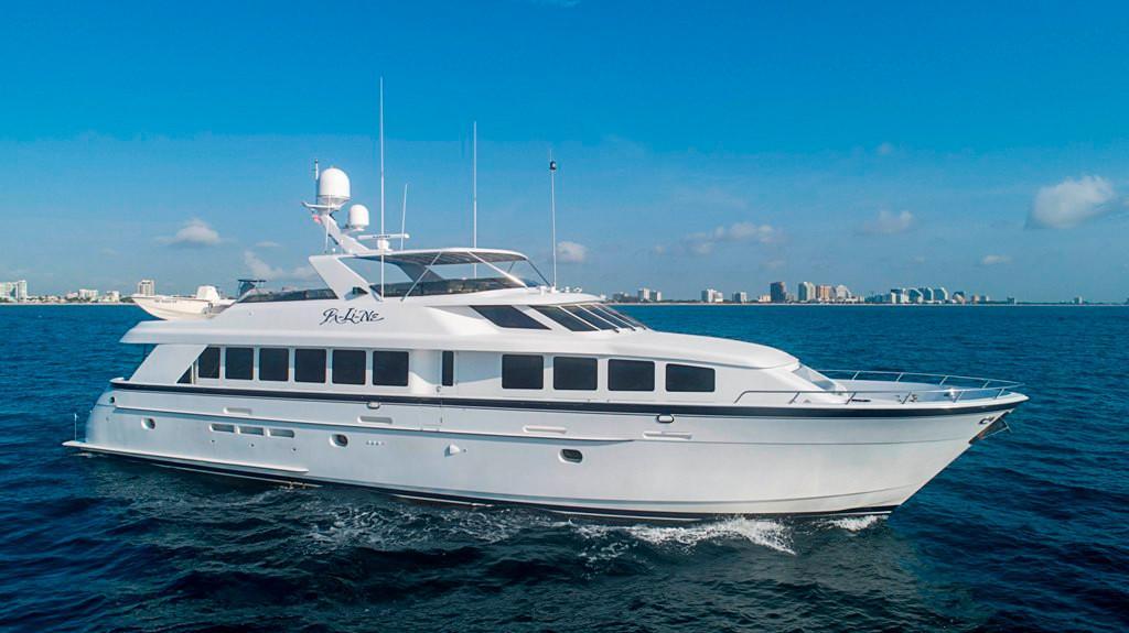 92 ft Hatteras Elite Series Motoryacht