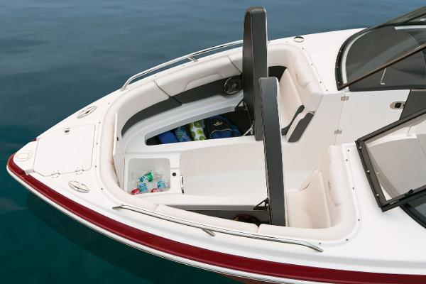 2016 Chaparral boat for sale, model of the boat is 257 SSX & Image # 5 of 12
