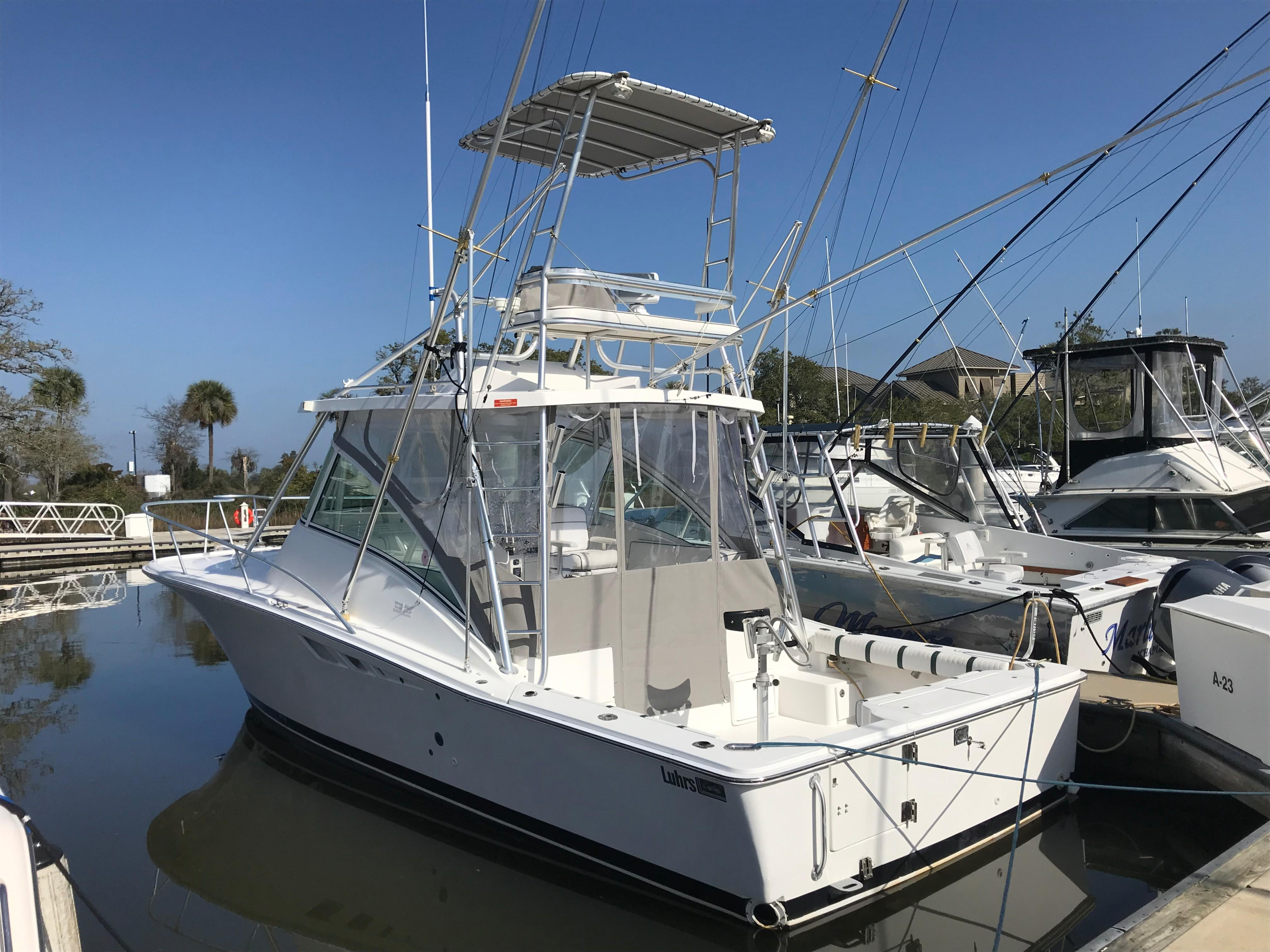 Luhrs 32 Express - Port Profile