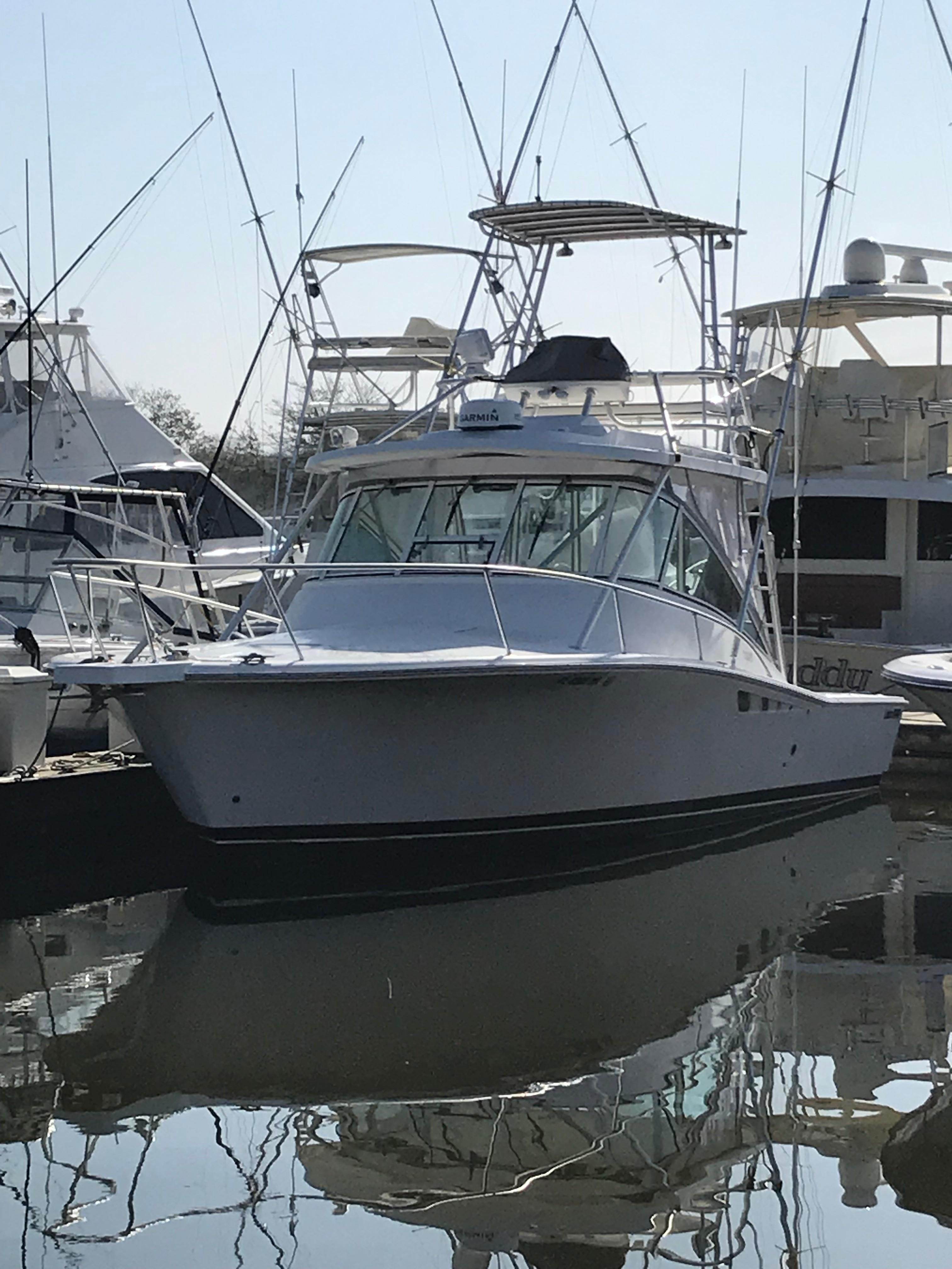 Luhrs 32 Express - Forward Port Profile