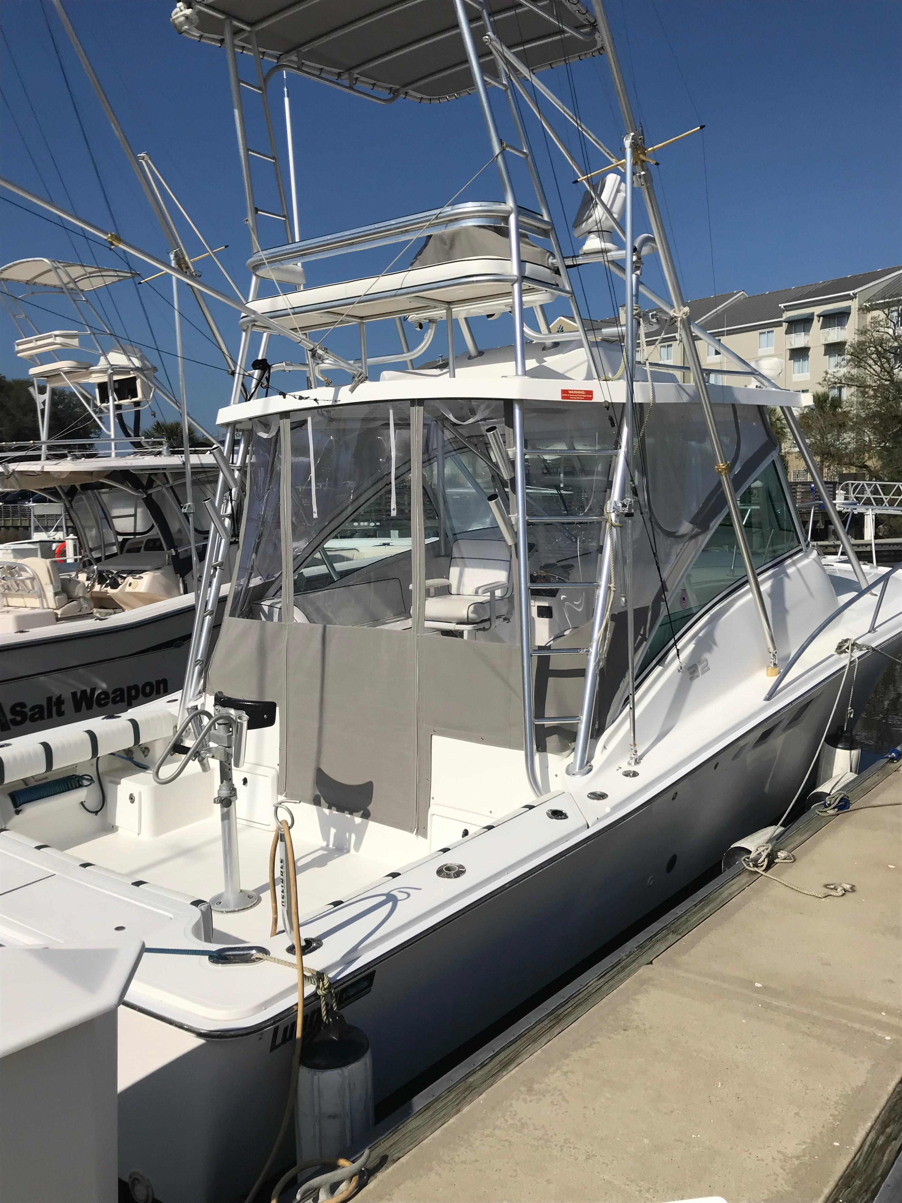 Luhrs 32 Express - Starboard Profile