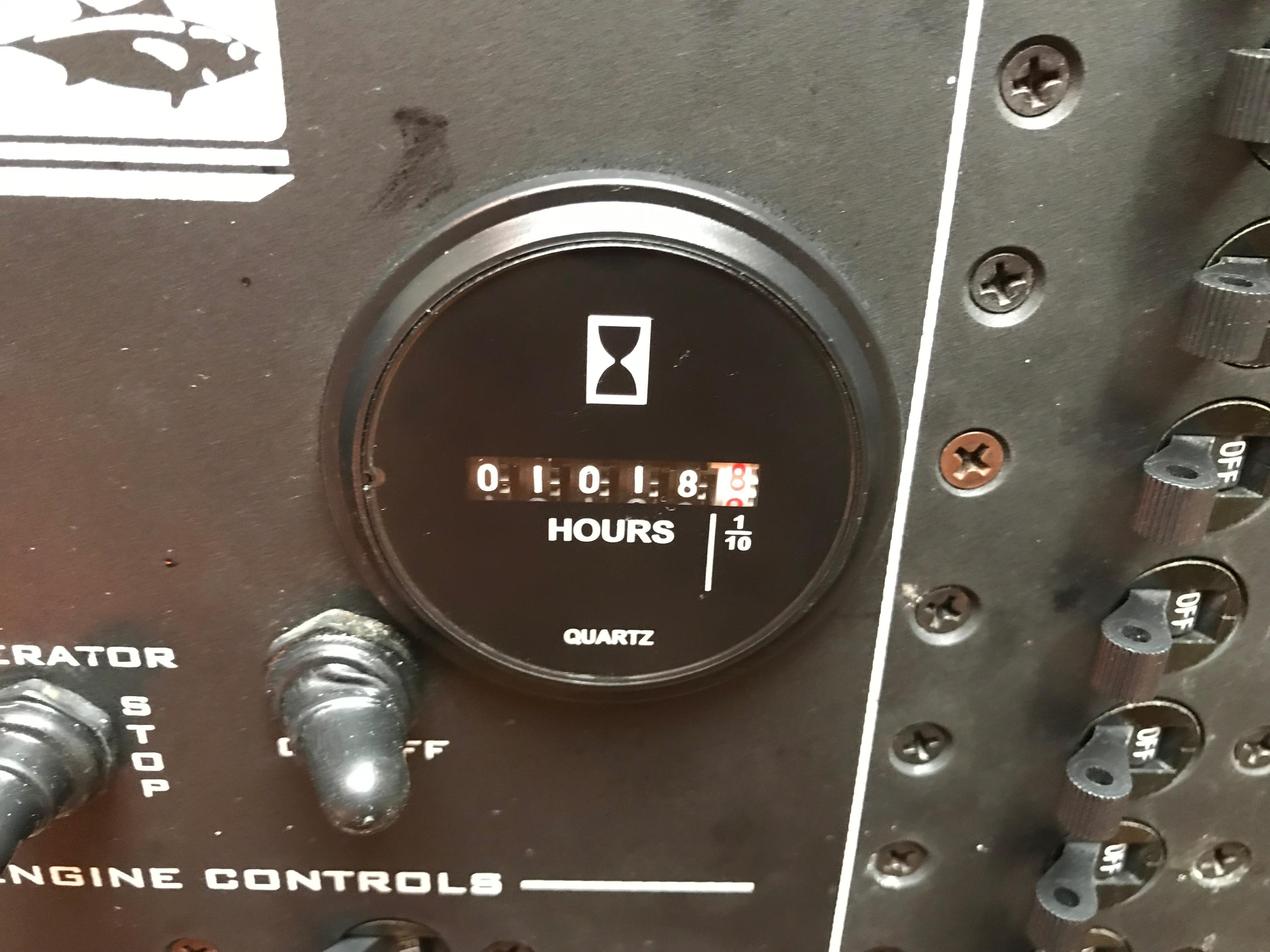 Luhrs 32 Express - Generator Hours