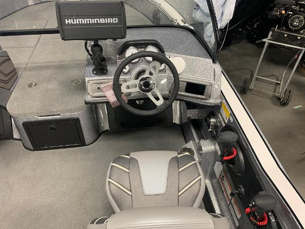 2020 Nitro boat for sale, model of the boat is ZV20 Pro & Image # 8 of 18