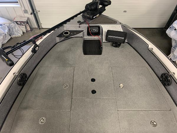 2020 Nitro boat for sale, model of the boat is ZV20 Pro & Image # 6 of 18