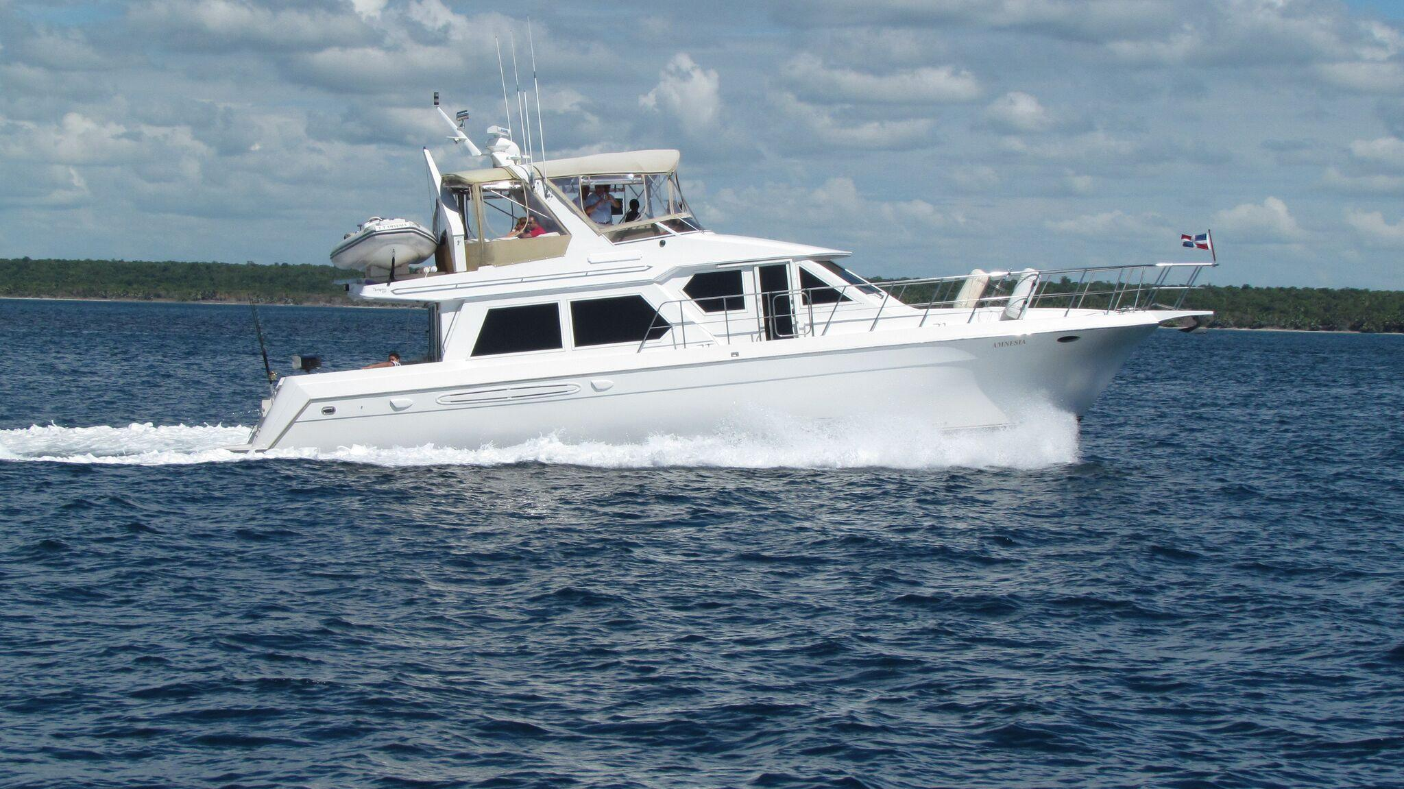 Navigator Yachts   Makers of Luxury Motor Yachts with