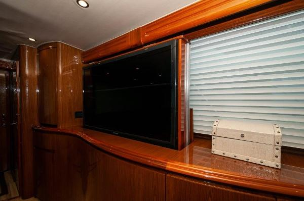 2012 Viking 76 Convertible Salon