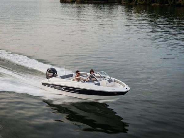 2020 Bayliner boat for sale, model of the boat is 180 Bowrider & Image # 2 of 31