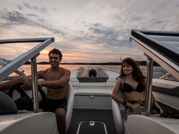 2020 Bayliner boat for sale, model of the boat is 180 Bowrider & Image # 7 of 31