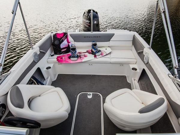 2020 Bayliner boat for sale, model of the boat is 180 Bowrider & Image # 11 of 31