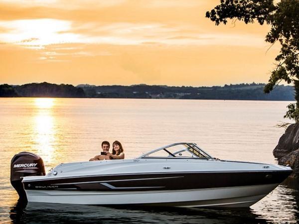 2020 Bayliner boat for sale, model of the boat is 180 Bowrider & Image # 15 of 31