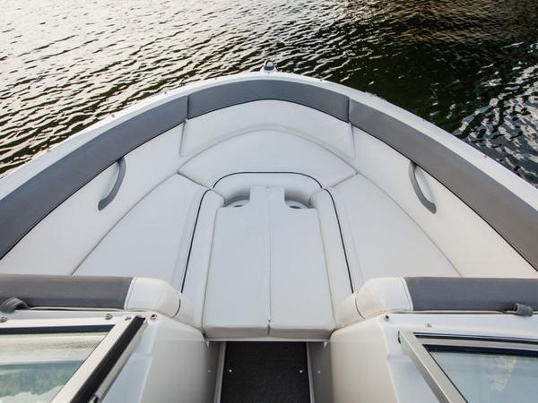 2020 Bayliner boat for sale, model of the boat is 180 Bowrider & Image # 19 of 31
