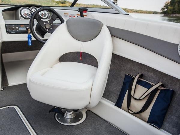 2020 Bayliner boat for sale, model of the boat is 180 Bowrider & Image # 24 of 31