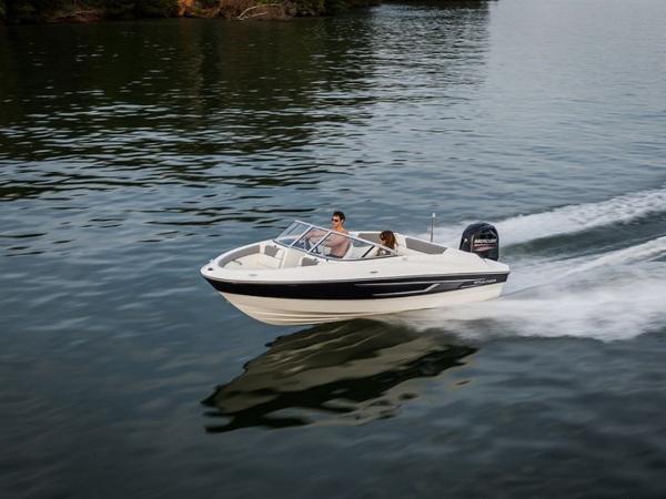2020 Bayliner boat for sale, model of the boat is 180 Bowrider & Image # 26 of 31