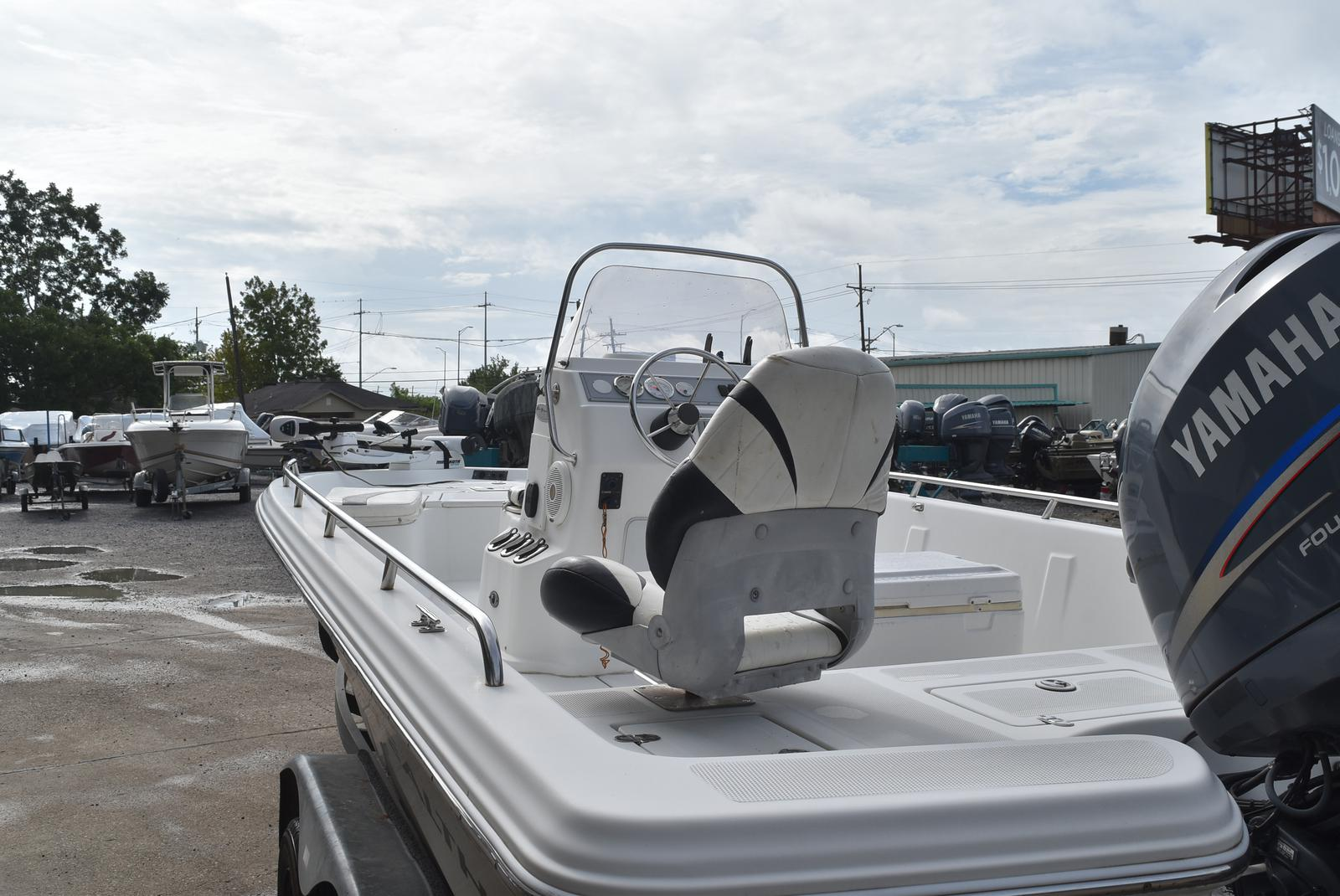 2006 Bay Stealth boat for sale, model of the boat is 2030 & Image # 4 of 12