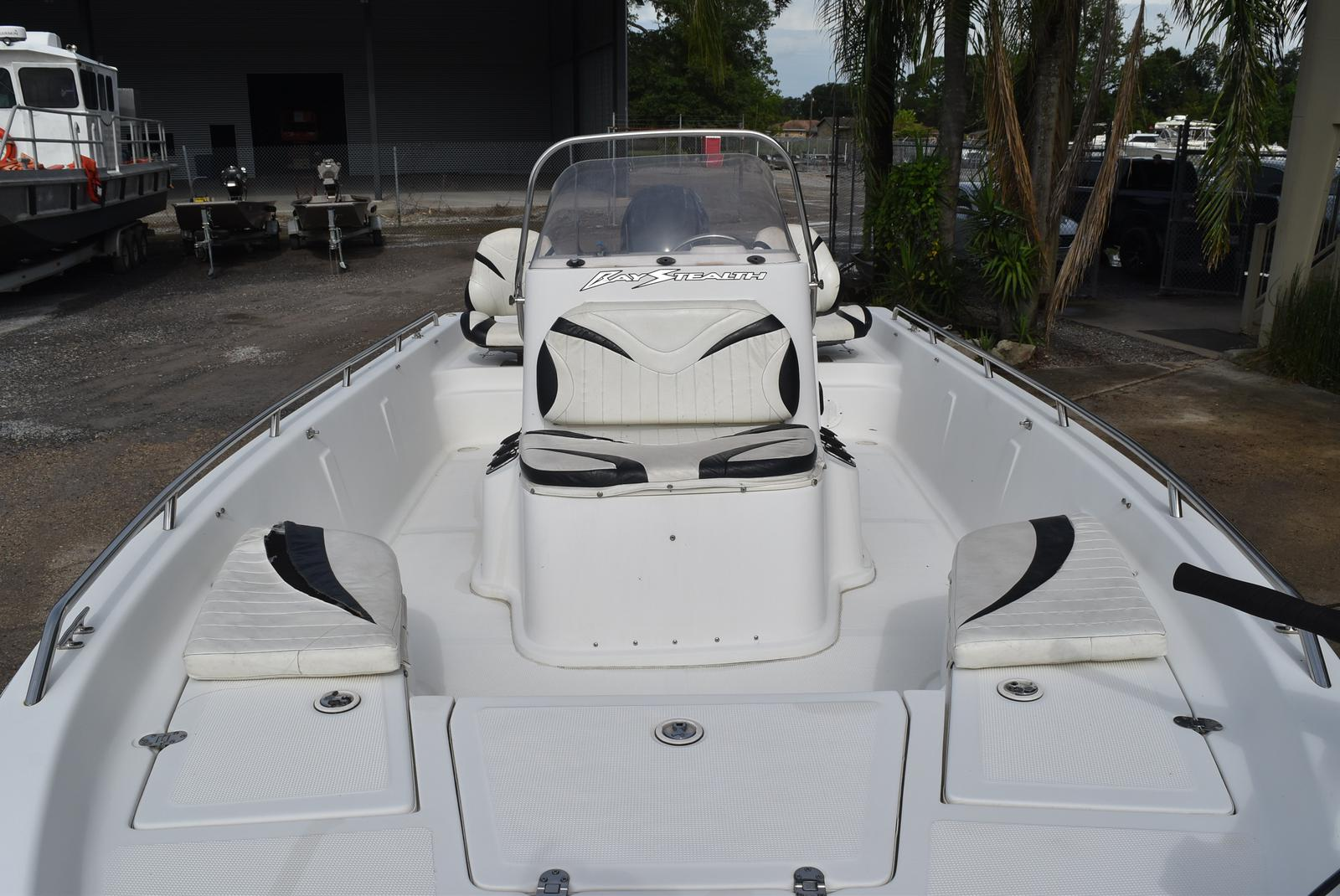 2006 Bay Stealth boat for sale, model of the boat is 2030 & Image # 5 of 12