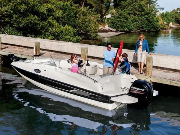 2020 Bayliner boat for sale, model of the boat is 210 Deck Boat & Image # 7 of 33