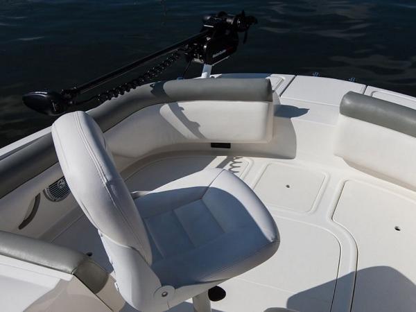 2020 Bayliner boat for sale, model of the boat is 210 Deck Boat & Image # 13 of 33