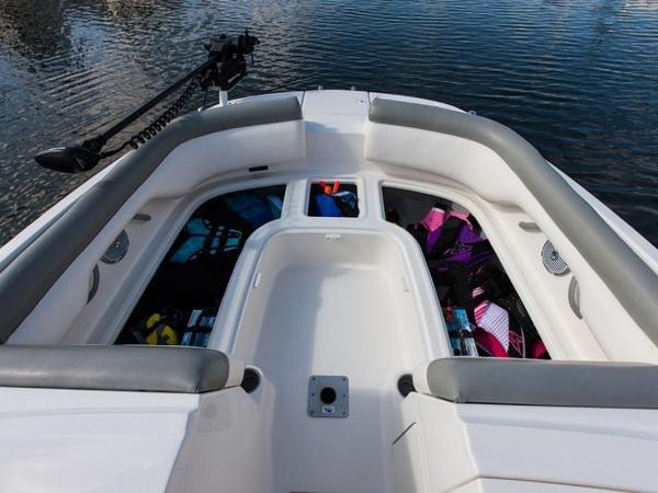 2020 Bayliner boat for sale, model of the boat is 210 Deck Boat & Image # 16 of 33