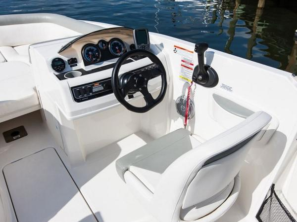 2020 Bayliner boat for sale, model of the boat is 210 Deck Boat & Image # 20 of 33