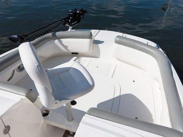 2020 Bayliner boat for sale, model of the boat is 210 Deck Boat & Image # 22 of 33