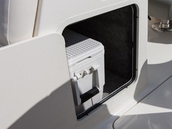 2020 Bayliner boat for sale, model of the boat is 210 Deck Boat & Image # 26 of 33