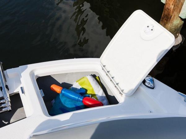 2020 Bayliner boat for sale, model of the boat is 210 Deck Boat & Image # 28 of 33