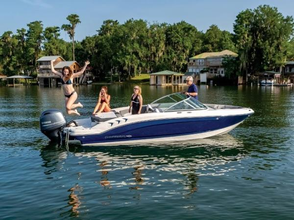 2020 Chaparral boat for sale, model of the boat is 19 SSI OB & Image # 5 of 13