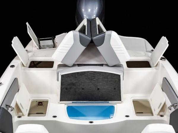 2020 Chaparral boat for sale, model of the boat is 19 SSI OB & Image # 12 of 13