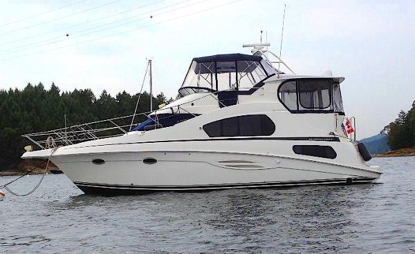 Picture Of:  39' Silverton 39 Motor Yacht 2005Yacht For Sale | 2 of 45